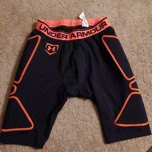 Men's Under Armour heat gear compression shorts